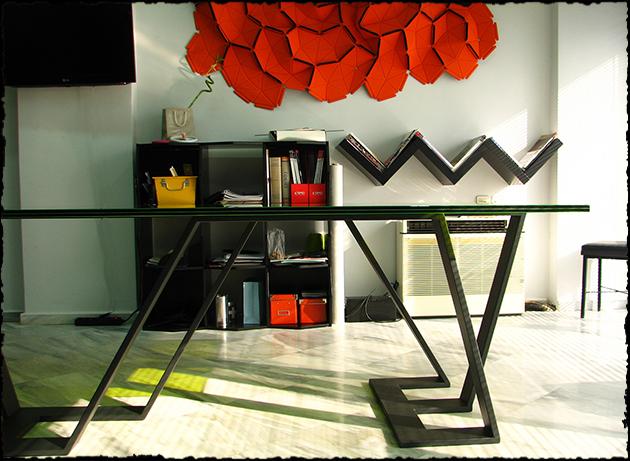 ruffles desk