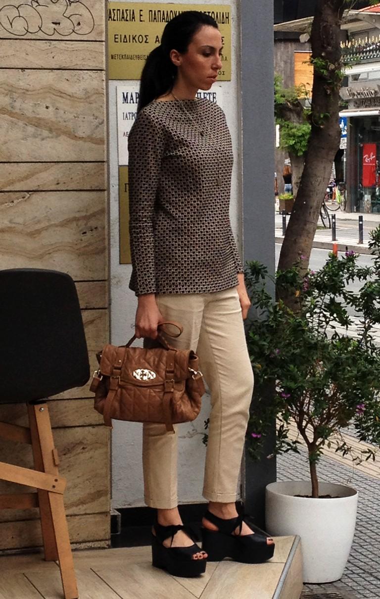 office style-beige-pants-printed-top2