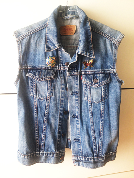 cropped-levis-jacket