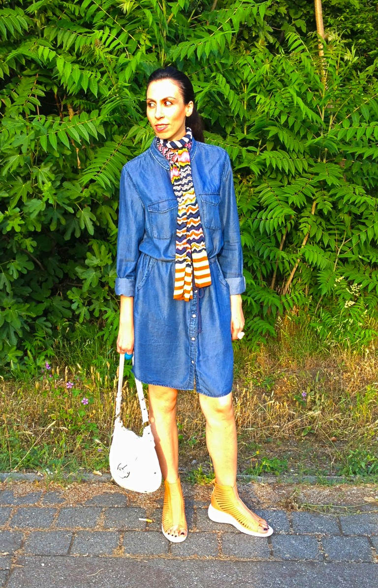 casual chic-jeans-shirtdress1