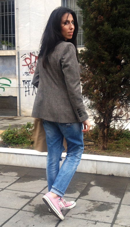 checked-blazer-loose-jeans1