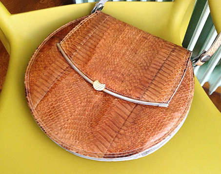 round-vintage-bag