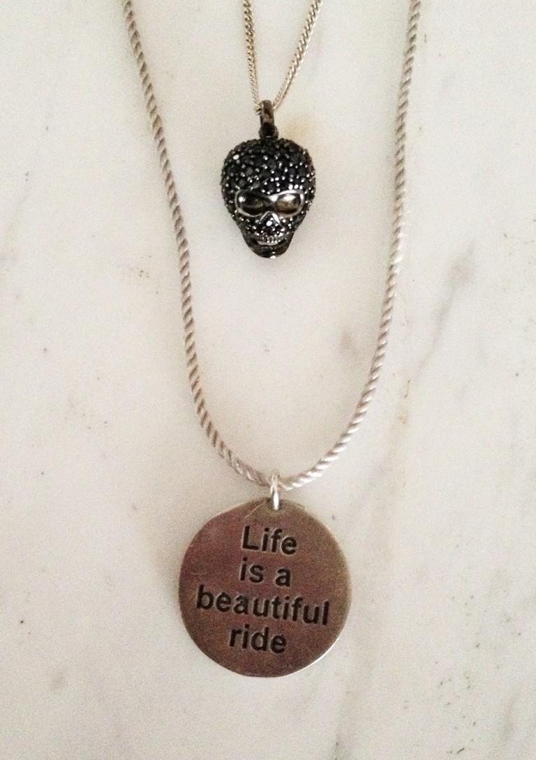 skull-pendant