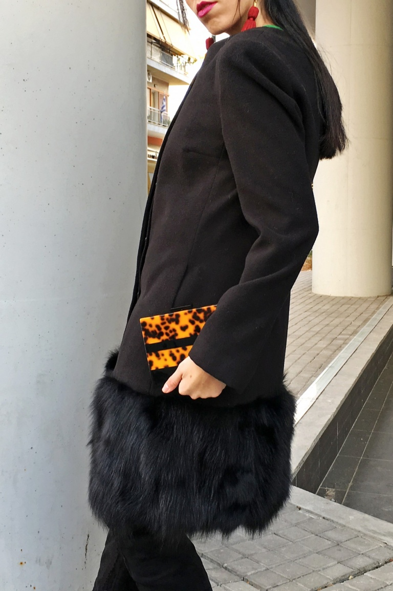 black-coat-with-fur-zara-leopard-clutch