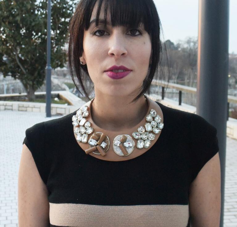 sportmax beige crystal necklace