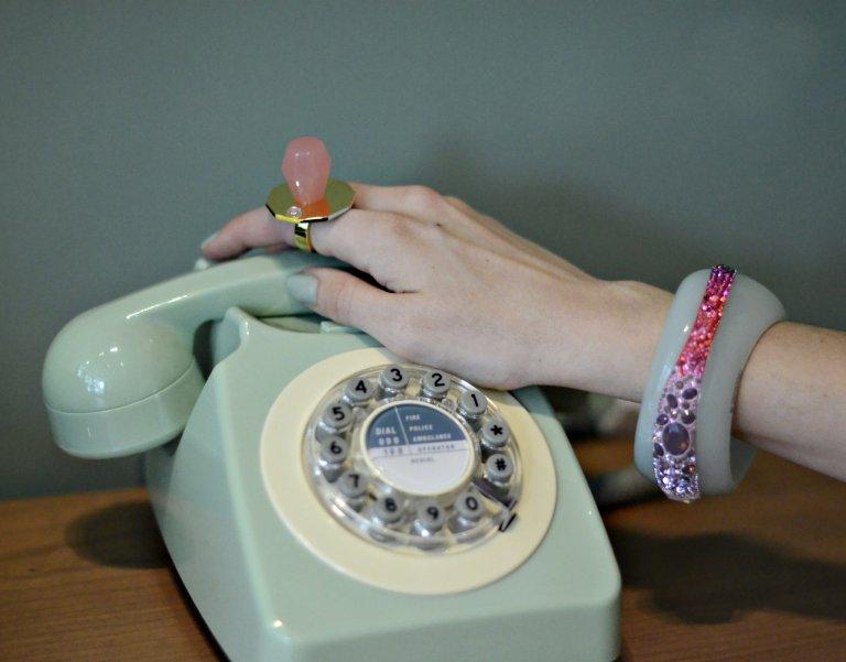 Les Nereides-telephone