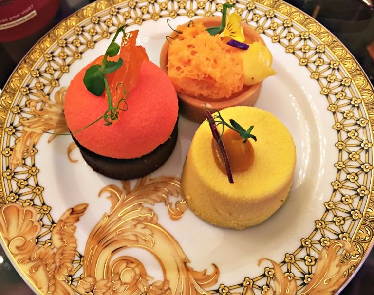 Palazzo versace pastries