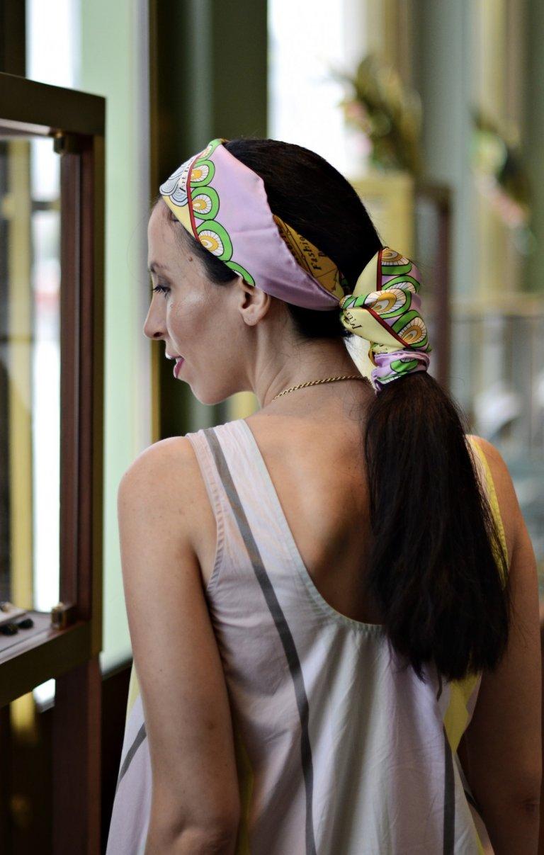 tate head scarf