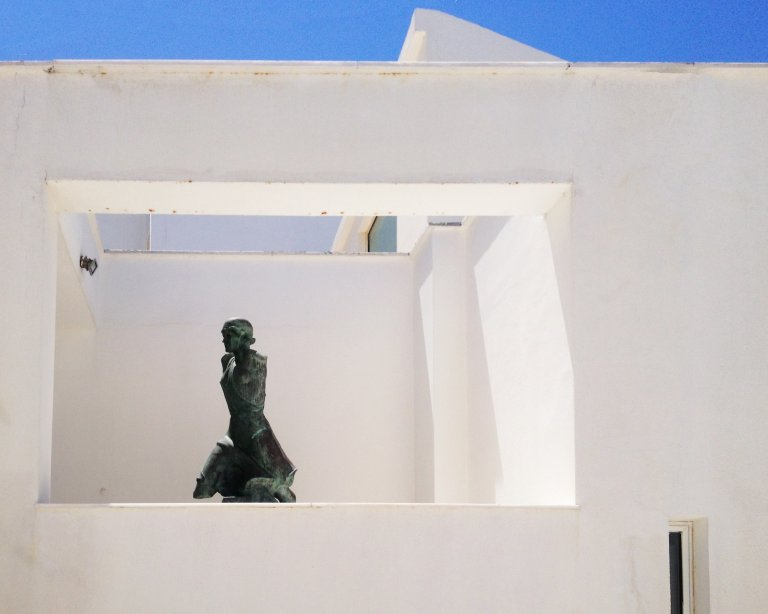 Andros-statue