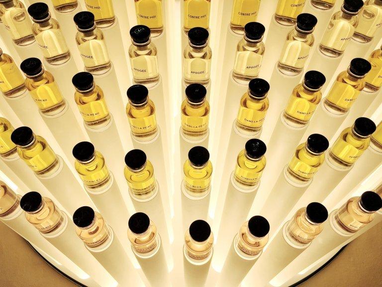 LV perfume-shell macro