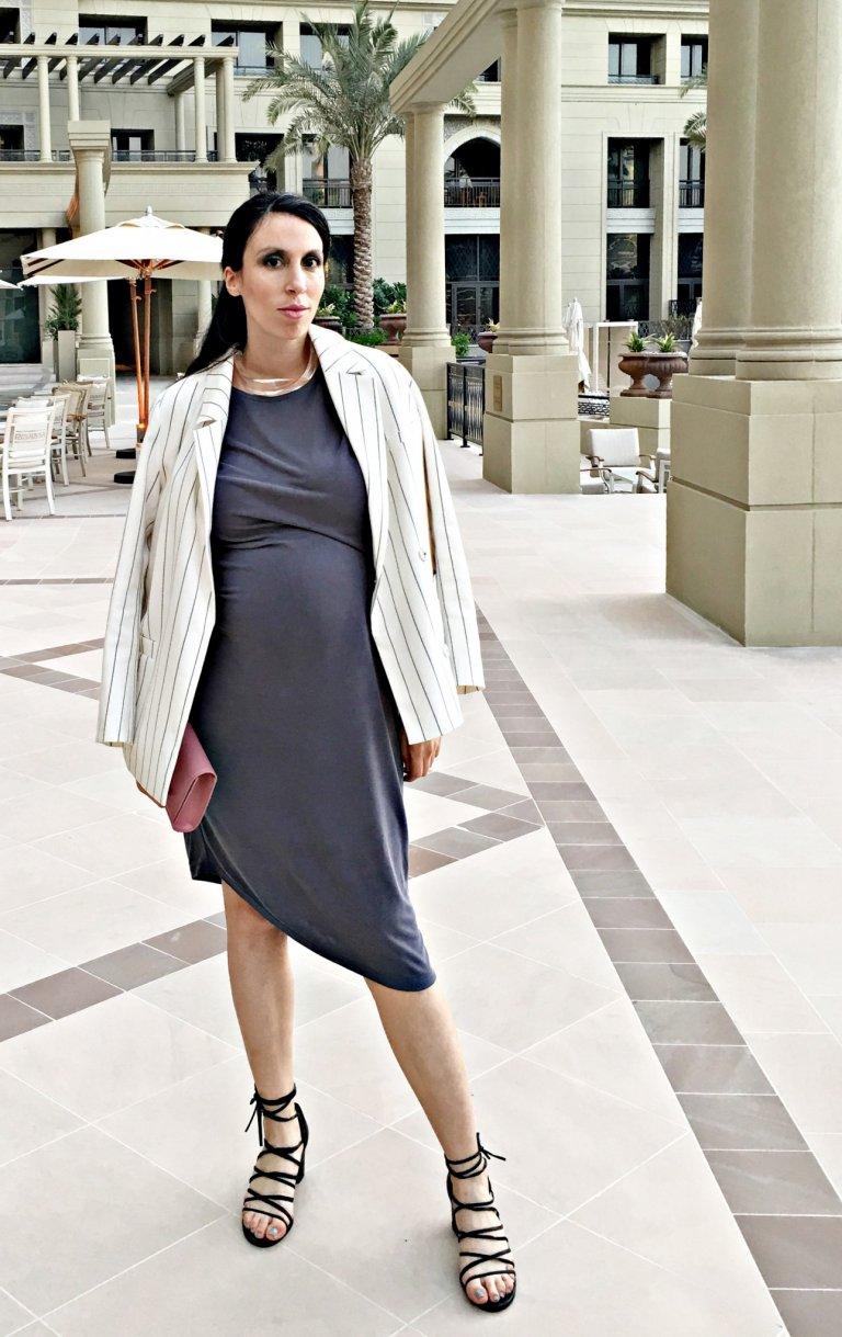 style-the-bump-grey-dress3