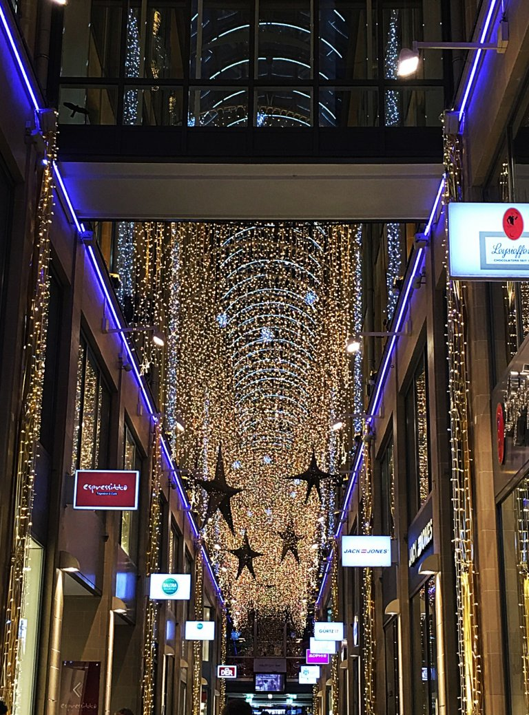 munich-shopping-center