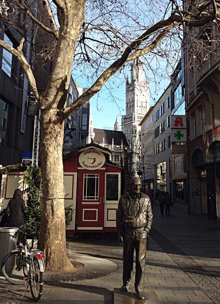 munich-statue